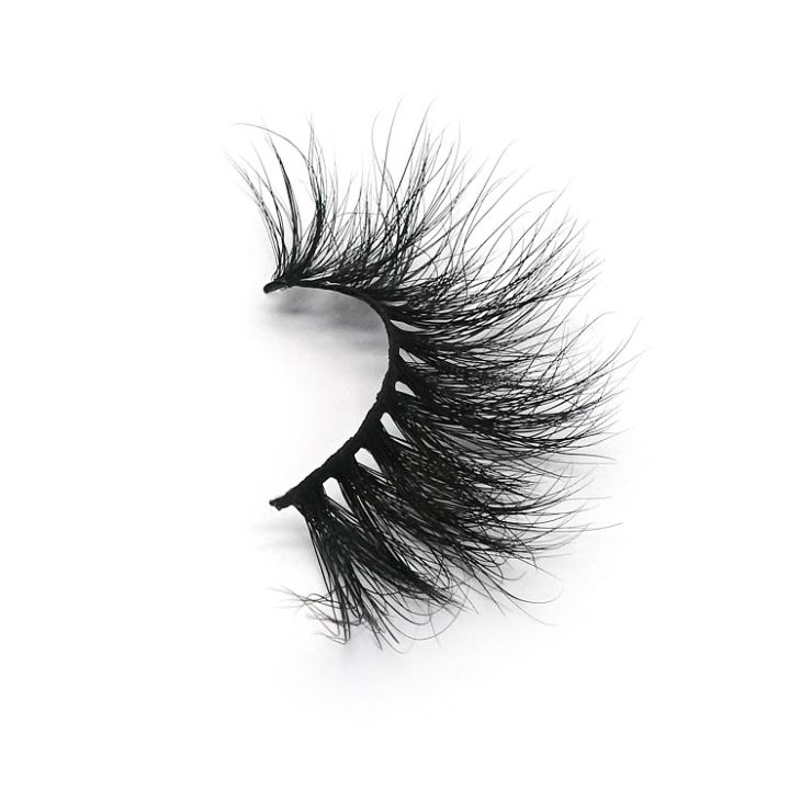 different of 25mm mink lashes