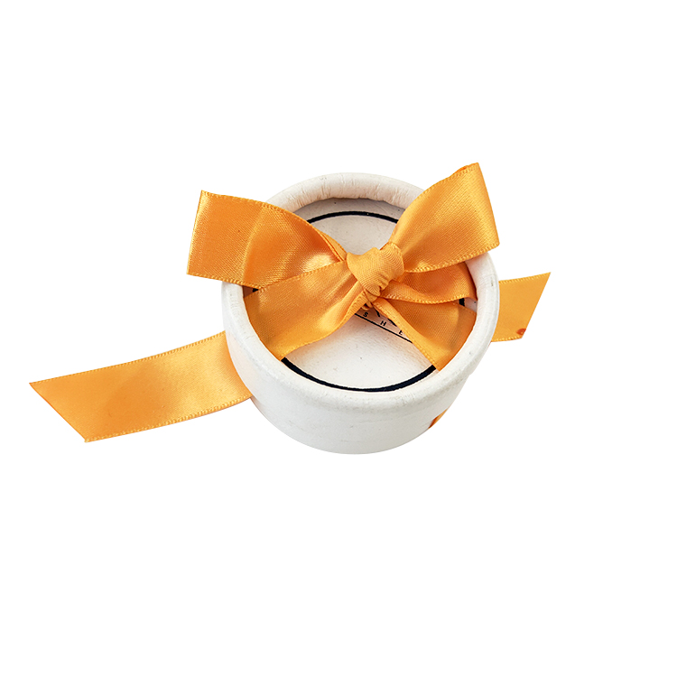white specialty paper Round Cardboard eyelash packaging with ribbon 63x63x33 , 18.3g